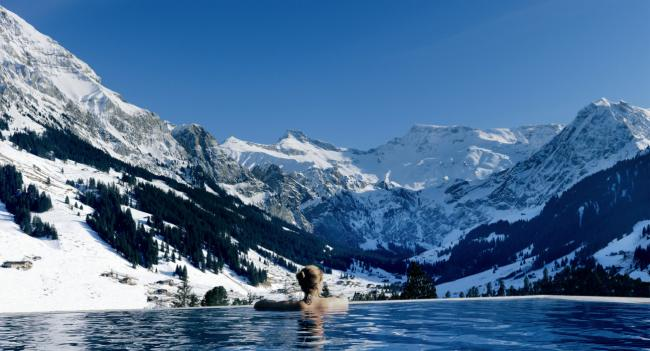 Pool im Hotel The Camrbian Adelboden