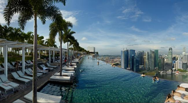 Infinity-Pool auf dem Marina Bay Sands Singapore